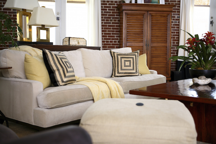 3 Reasons to Have a Professional Upholstery Cleaning